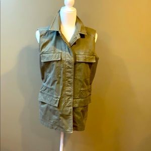 🌞 Madewell cargo vest button down size S